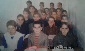 دانش آموزان کلاس پنجم مدرسه شهیدقاضی میلاجرد در سال۱۳۶۵ معلم یار شهید محمد رضا اتابکی
